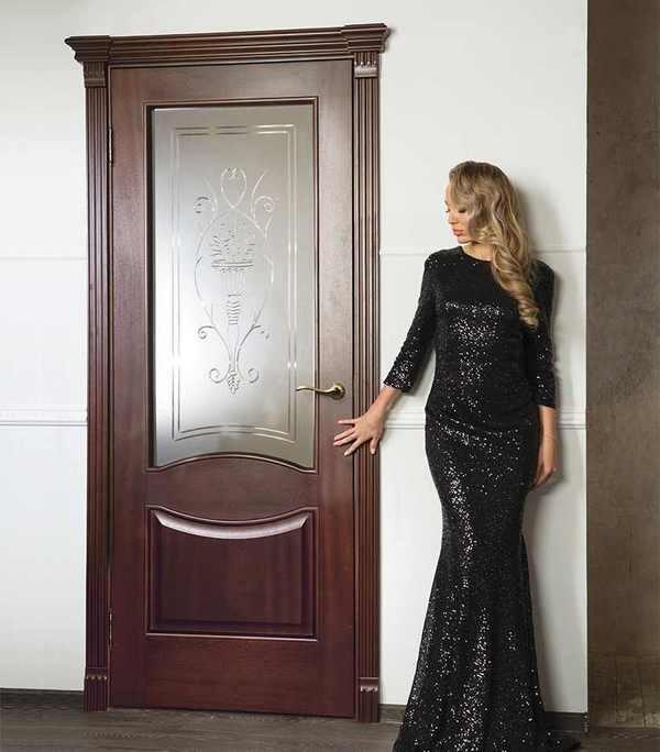 дверь Рада в интерьере